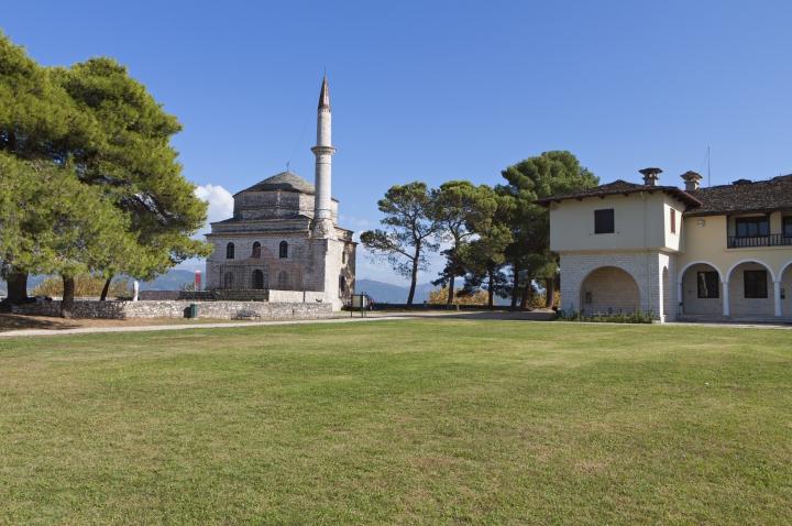 tomb of Ali Pasha.jpg